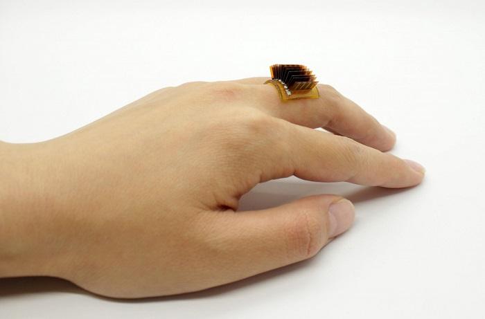 Yeni Giyilebilir Cihaz Vücudu Bir Bataryaya Dönüştürüyor