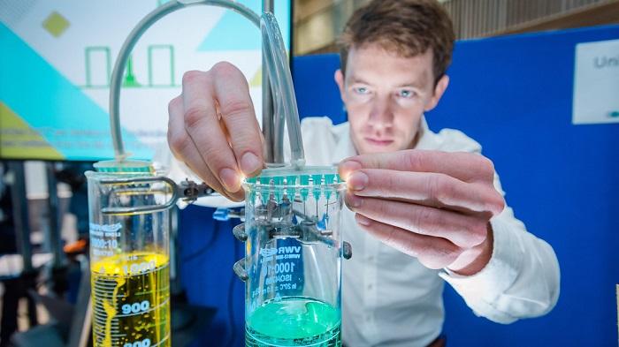 Bath Üniversitesi Yeşil Kimya Anlaşmasını İmzaladı
