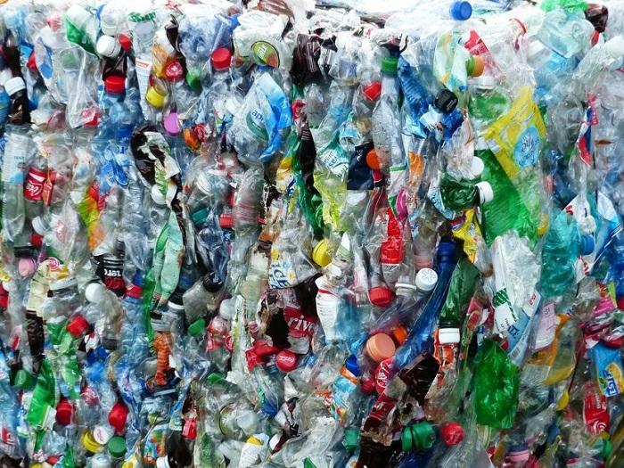 Şişelerde Kullanılan Plastikleri Yakıt ve Diğer Yüksek Değerli Ürünlere Dönüştürmede Alternatif Bir Yol