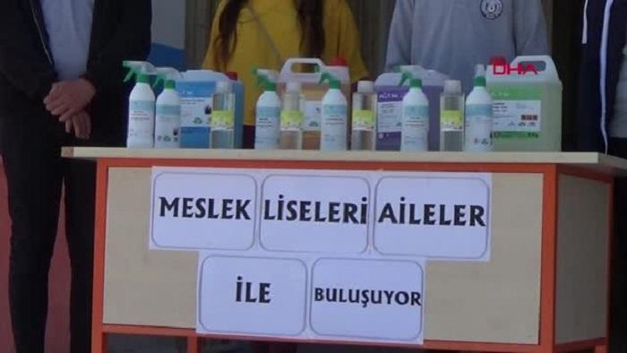 Gaziantep'in İslahiye İlçesi, Meslek Lisesi Öğrencileri Ürettikleri Temizlik Ürünlerini İhtiyaç Sahiplerine Dağıttı
