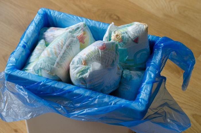 Bebek Bezlerini Yapışkan Notlara Dönüştürmek: Kimyasal Geri Dönüşümü Kullanarak Milyonlarca Ton Atığı Engellemek