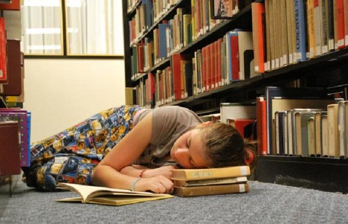 Çalışmalar Gösterdi: Gün İçinde Yapılan Şekerlemeler Uyku Eksikliğini Gidermiyor