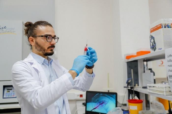 Türk Bilim İnsanı Ispanağın İyileştirme Hızını Kanıtladı